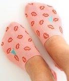 Sneaker sock lips