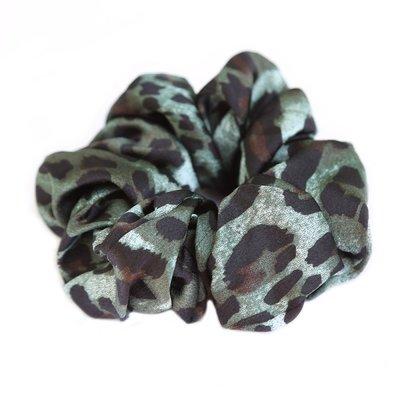 Zijden scrunchie luipaard groen