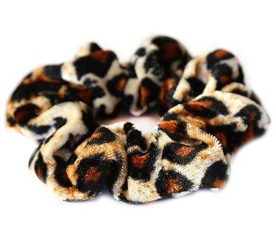 Velvet scrunchie luipaard blond