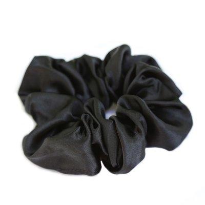 Satijnen scrunchie zwart