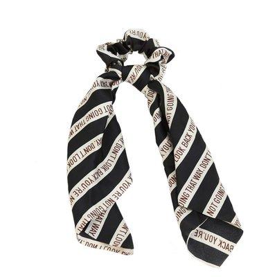 Scrunchie sjaal zijde look black