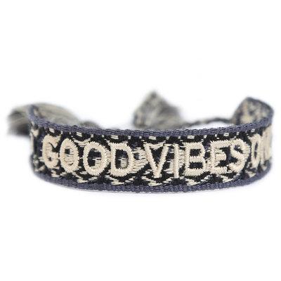 Geweven armbandje good vibes only melee