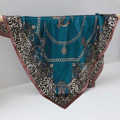 Satijnen bandana sjaal leo chain teal