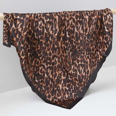 Satijnen bandana sjaal leopard print